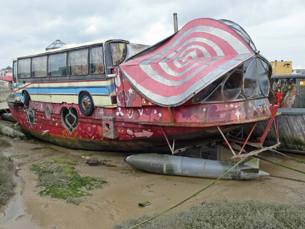 Shoreham-houseboat