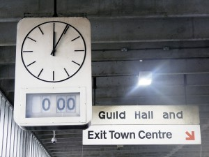 Bus-Station-Clock-web-banner