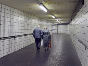Couple-in-passage-web-banner